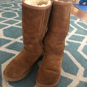 Classic Tall Chesnut Uggs Size 7